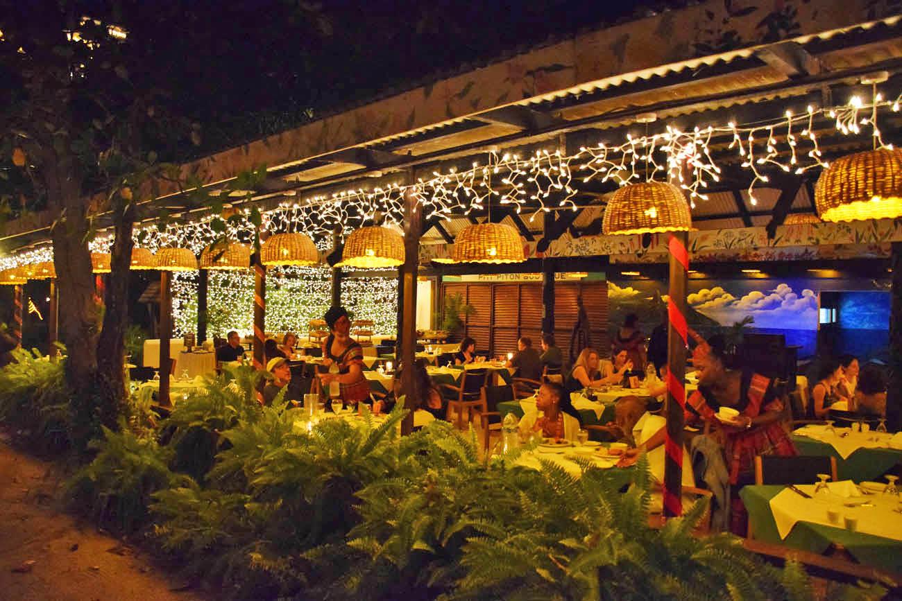 Restaurante Apsara - na praia Anse Chastanet - St Lucia