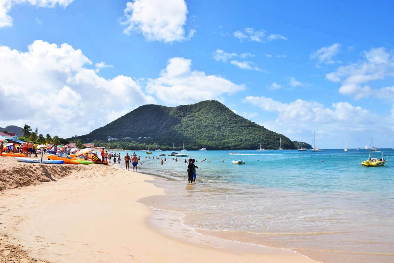 Praia Reduit, em Gros Islet - St Lucia | foto: Lala Rebelo
