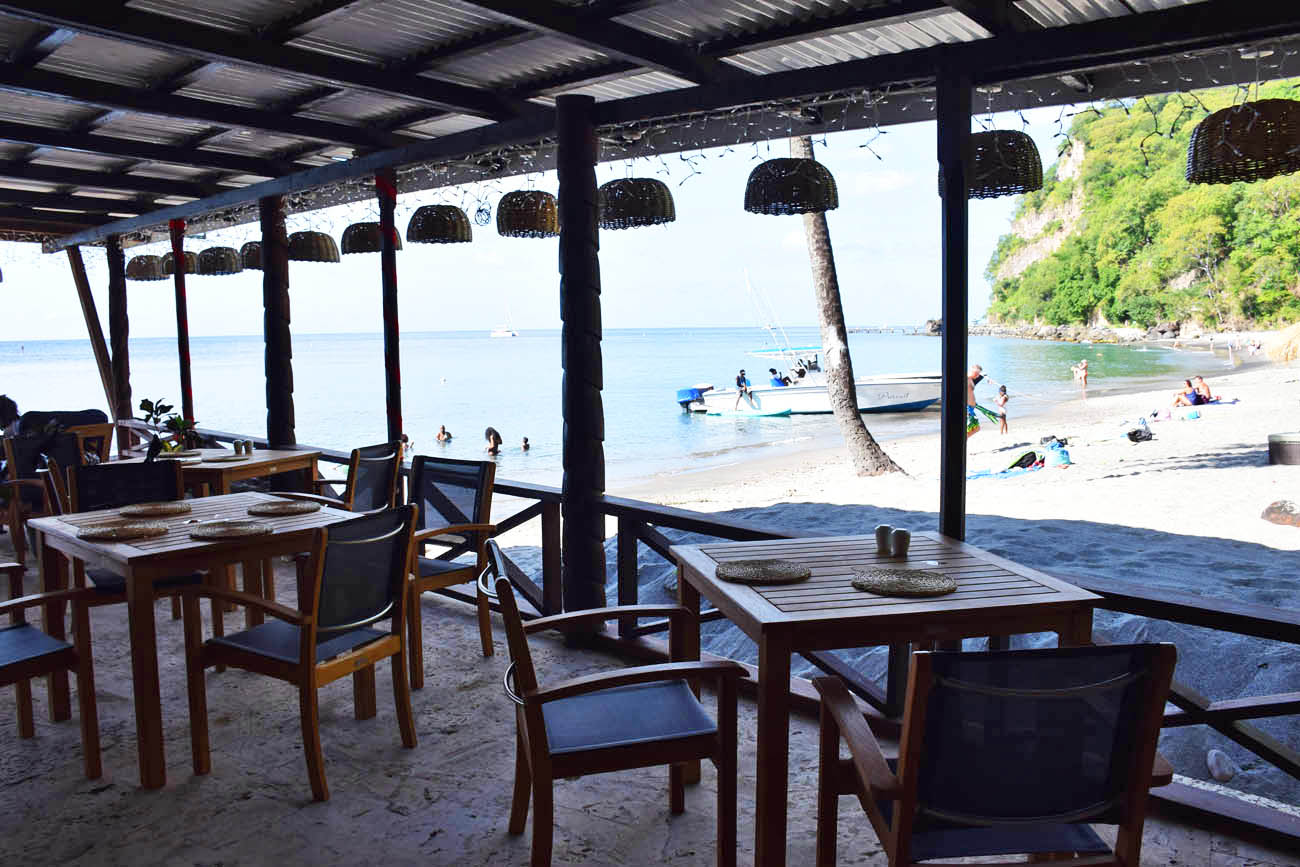 Restaurante Trou au Diable na praia Anse Chastanet - St Lucia | foto: Lala Rebelo