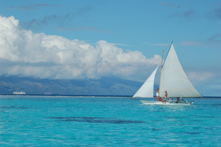 Vida real - pirogues do Tahiti | foto: Andy Turpin