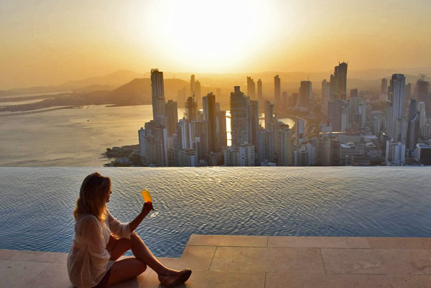 Panaviera-Trump-Hotel-Pool-Bar-Restaurant-cidade-do-panama