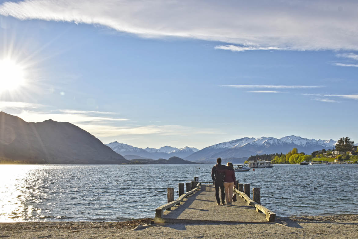 wanaka lake new zealand