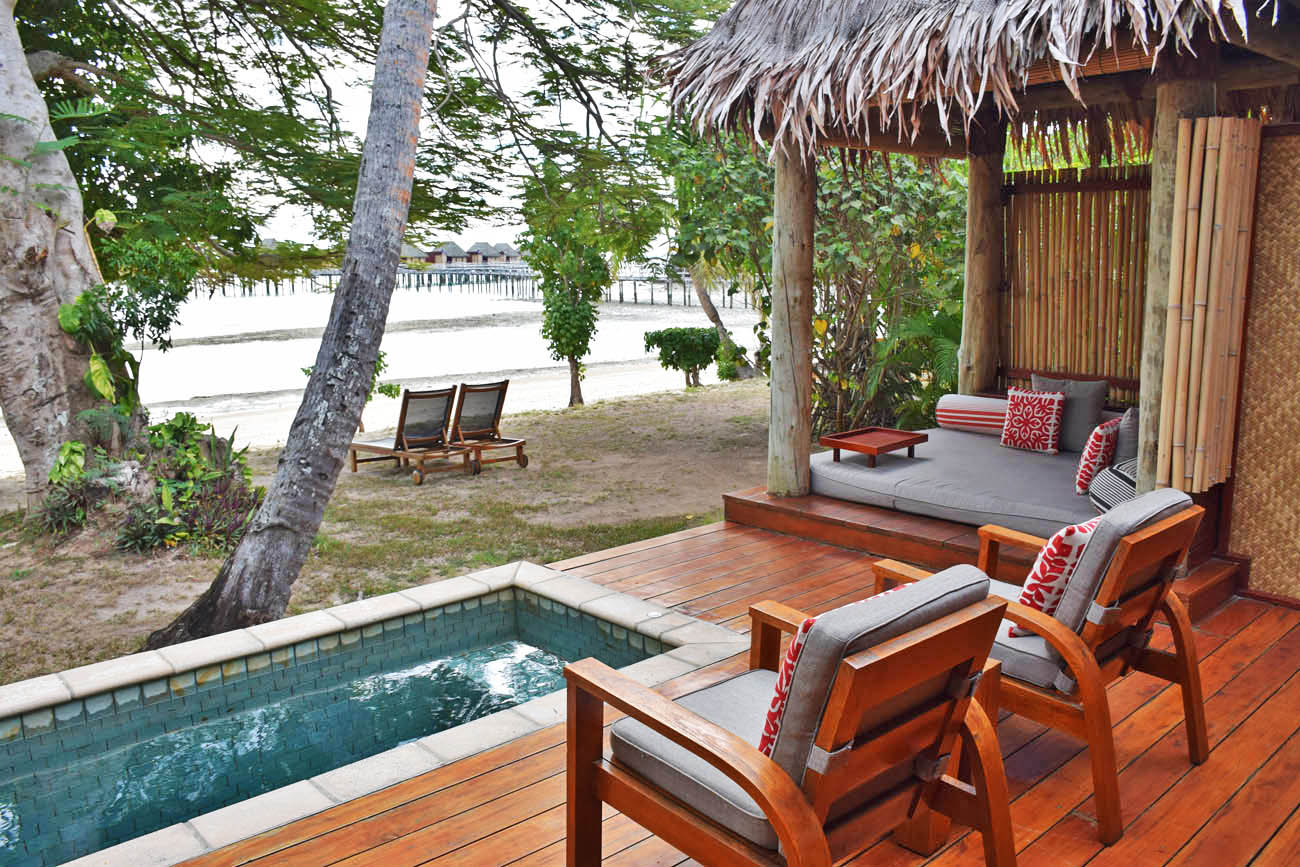 likuliku lagoon resort fiji deluxe beach front bure with private pool