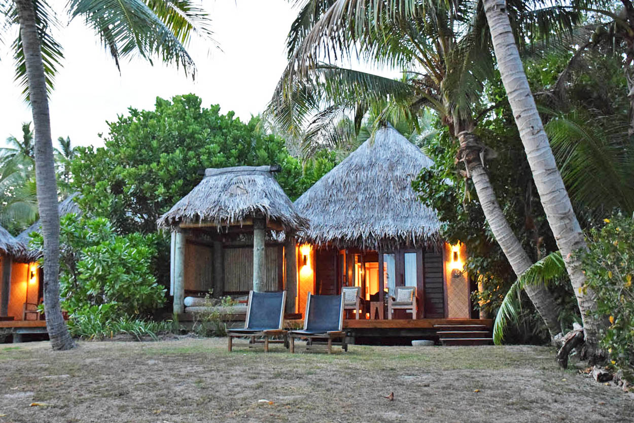 likuliku lagoon resort fiji beach front bure