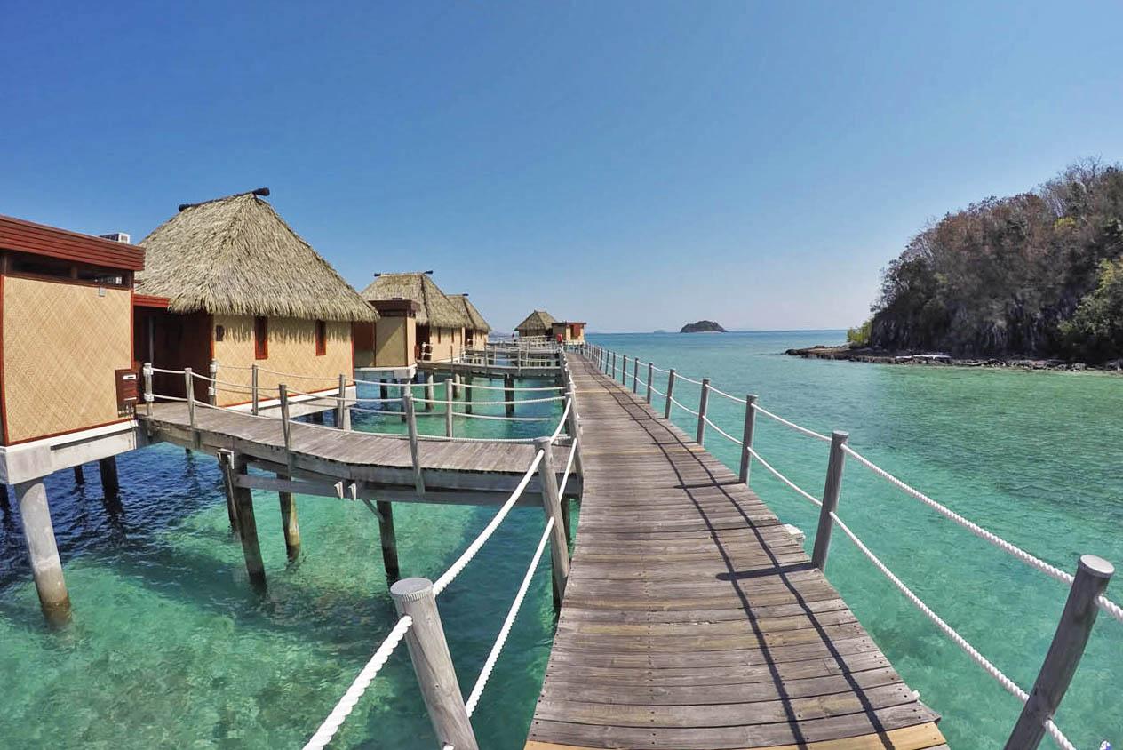 likuliku lagoon resort fiji overwater bungalow