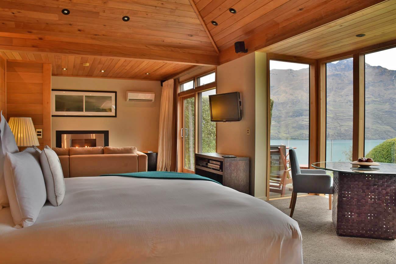 azur lodge queenstown hotel