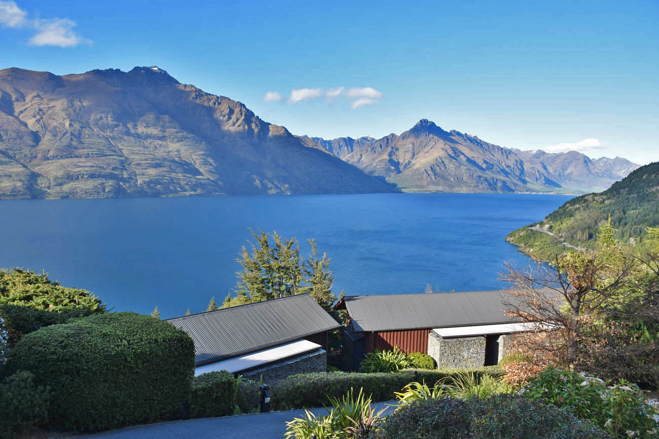 azur lodge queenstown hotel