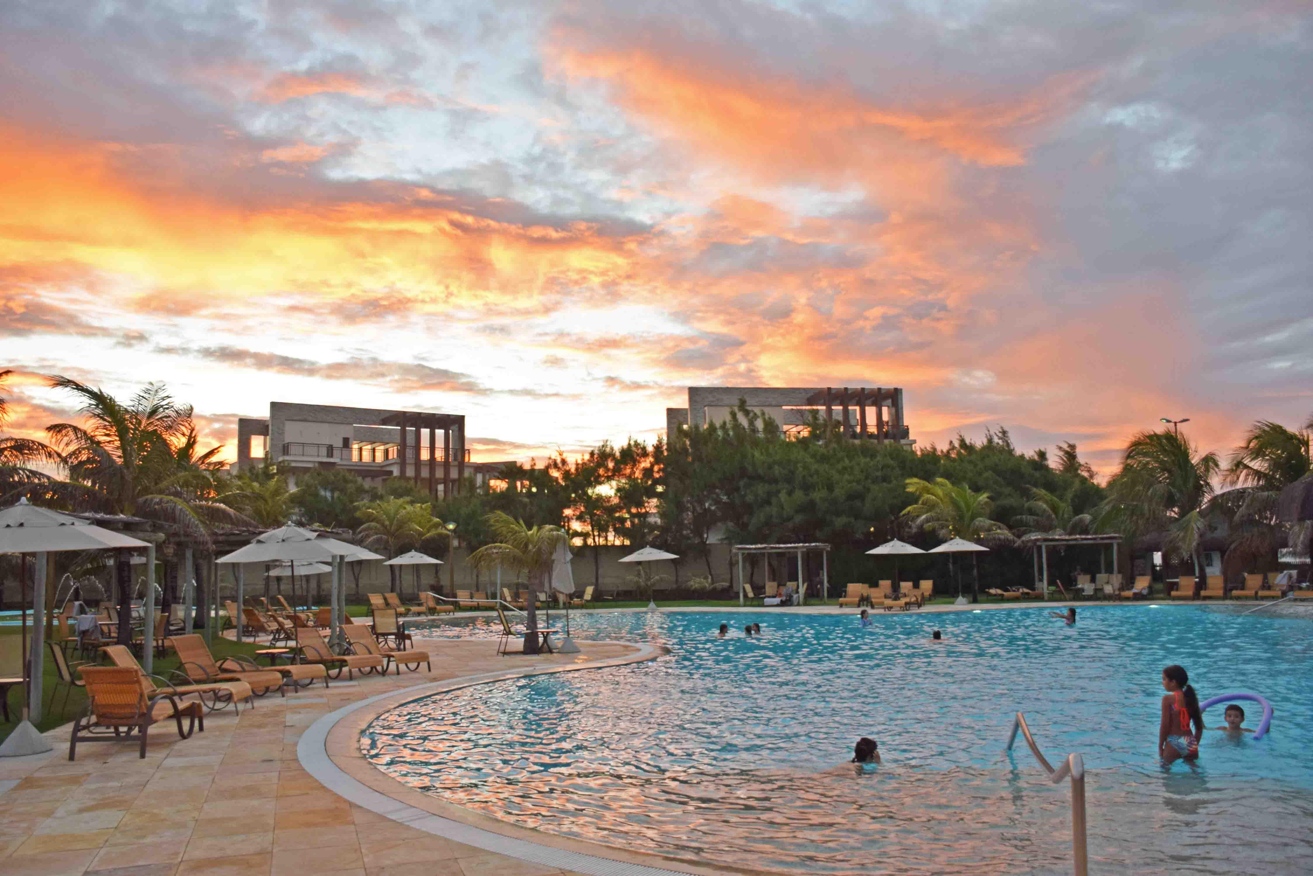 hotel dom pedro laguna ceara aquiraz piscina
