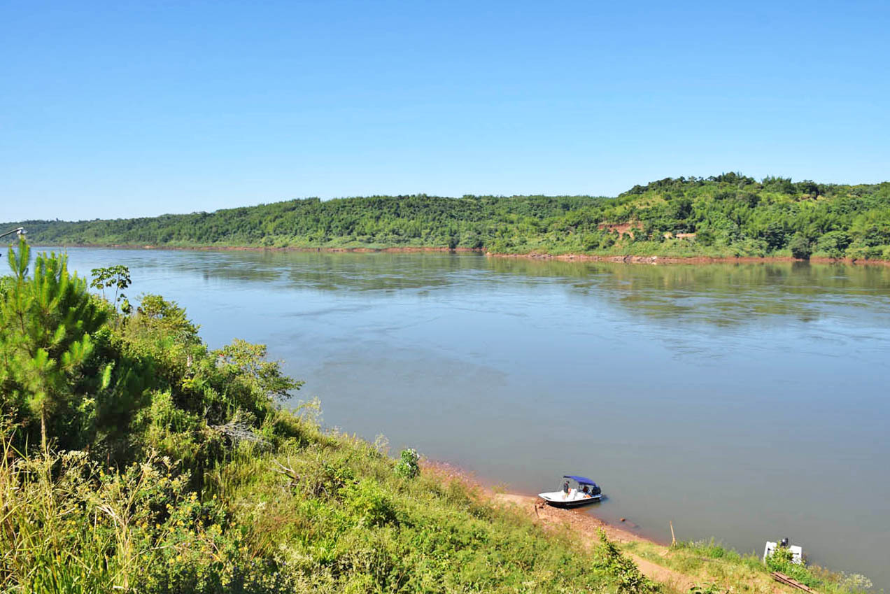 Rio Paraná - Argentina - Brasil