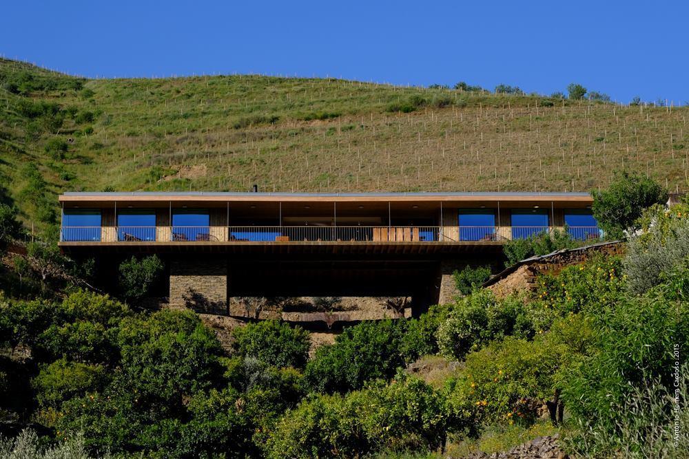 casa do rio quinta do vallado vale do rio douro portugal