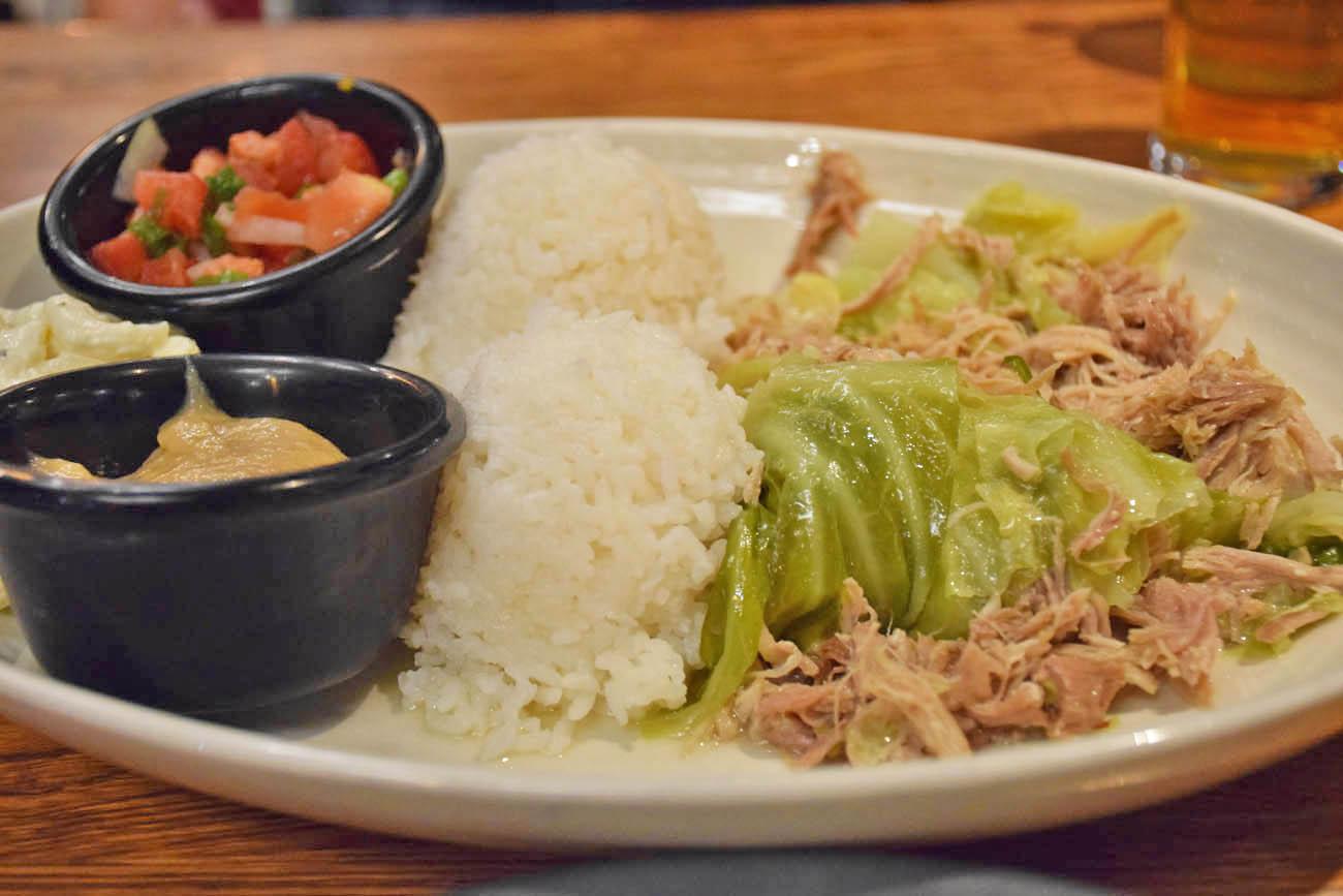 comida havaiana - KALUA PIG