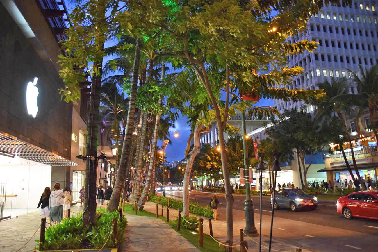 waikiki beach - honolulu - oahu -havaí - lojas