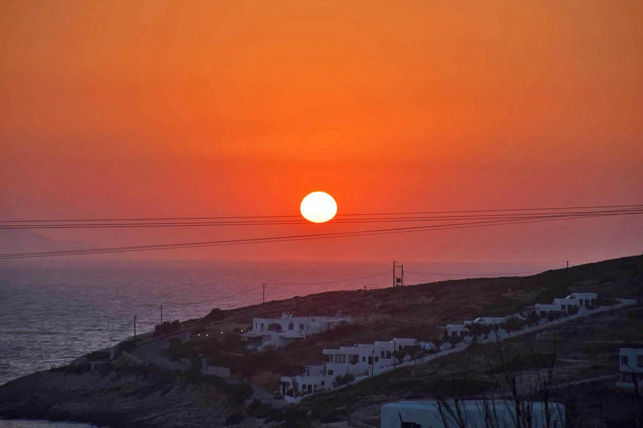 Agnanti Restaurant Donoussa sunset