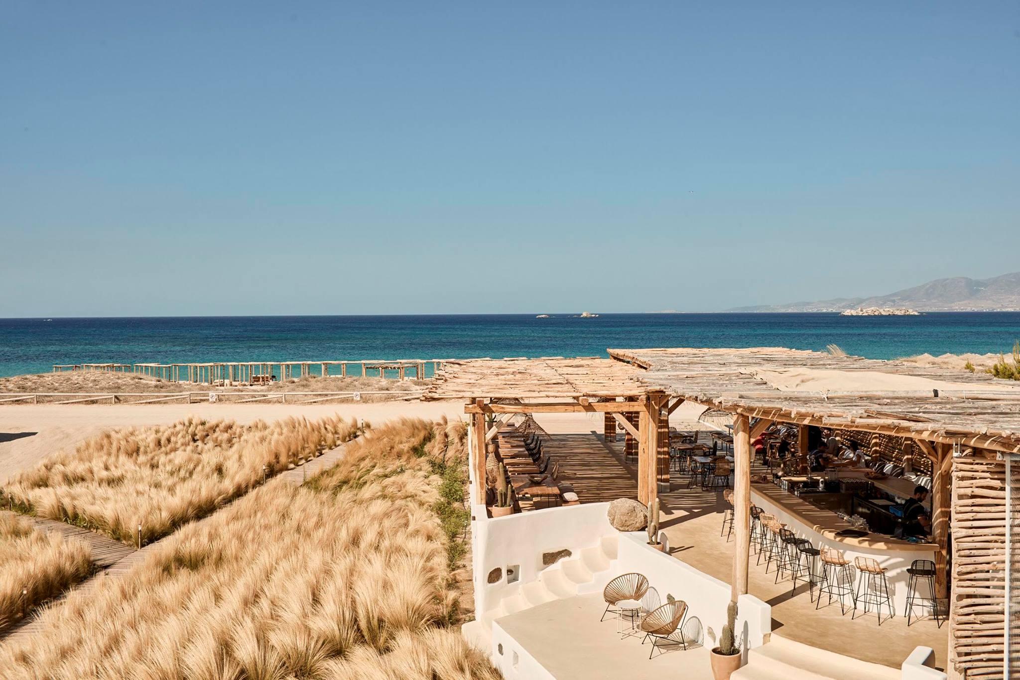 Tortuga Naxos - bar restaurant Plaka beach club