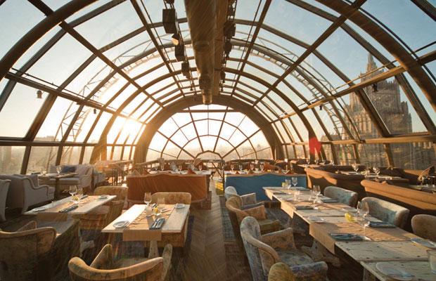 Onde comer em Moscou - restaurante White Rabbit