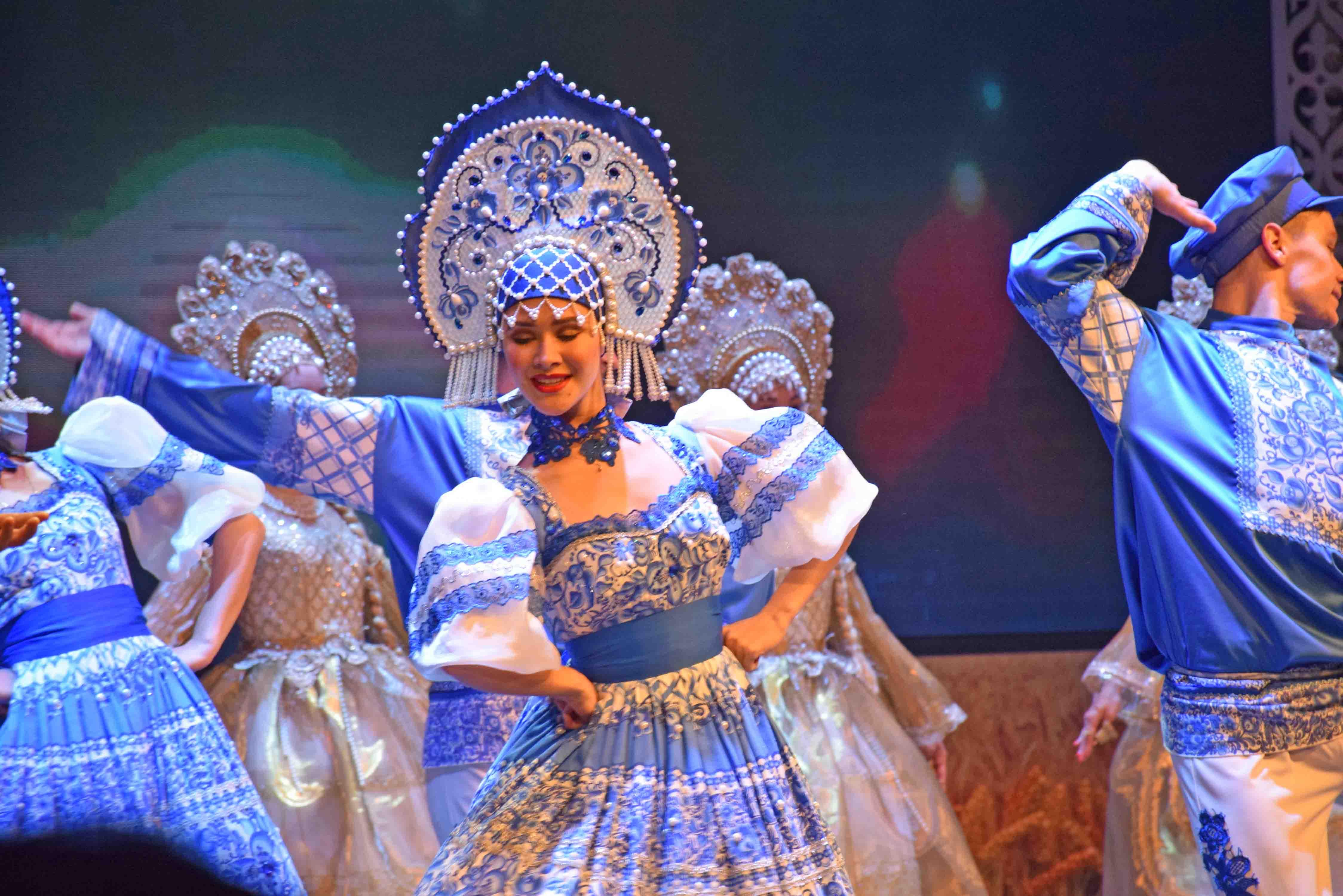 Russian Folk Show - Moscow Golden Ring