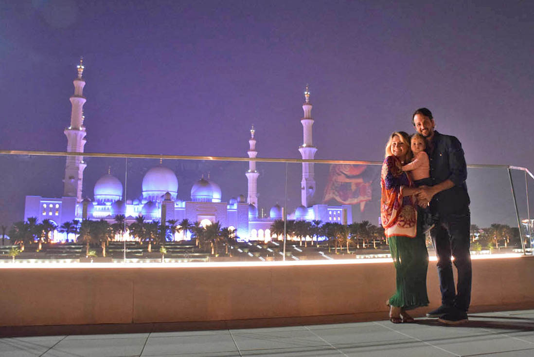 Dicas de Abu Dhabi - Mesquita Sheikh Zayed a noite