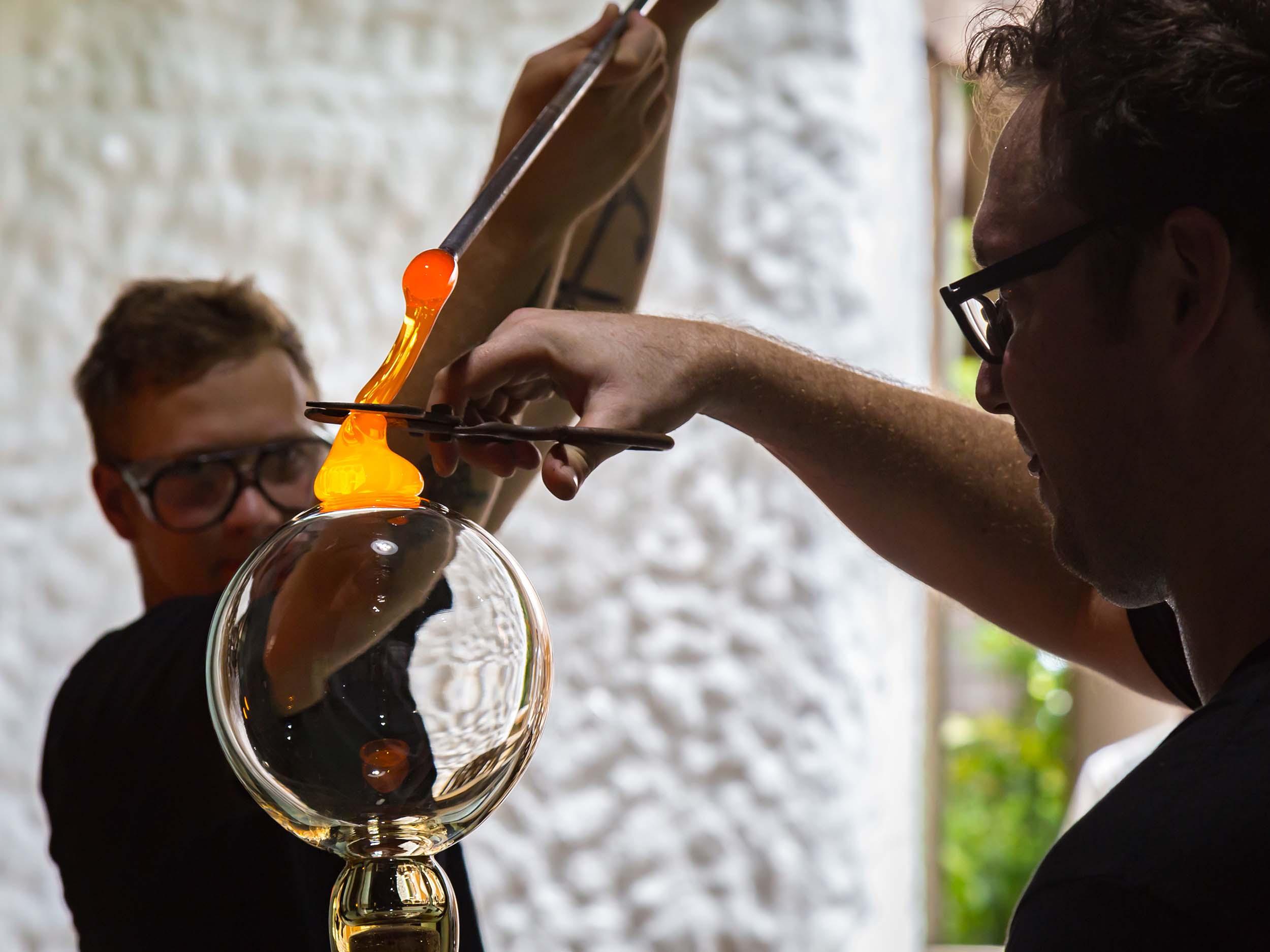 glassblowing soneva fushi maldives