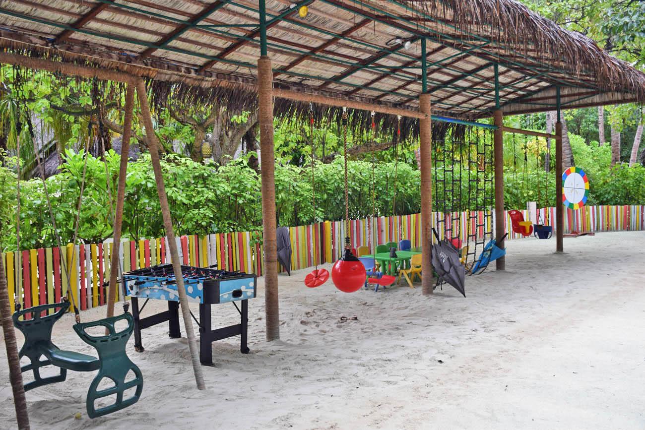 Anantara Dhigu - kids club - dhoni club - crianças nas maldivas - hotel baby friendly