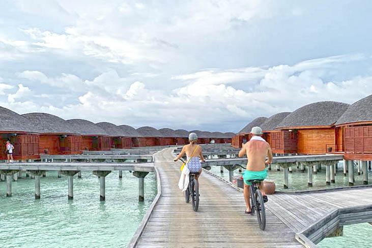 Anantara Dhigu Overwater bungalow Maldives