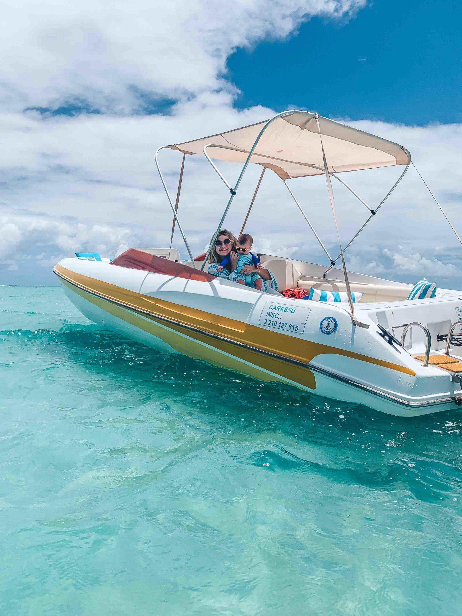 Anttunina ao mar - passeio de barco em maragogi