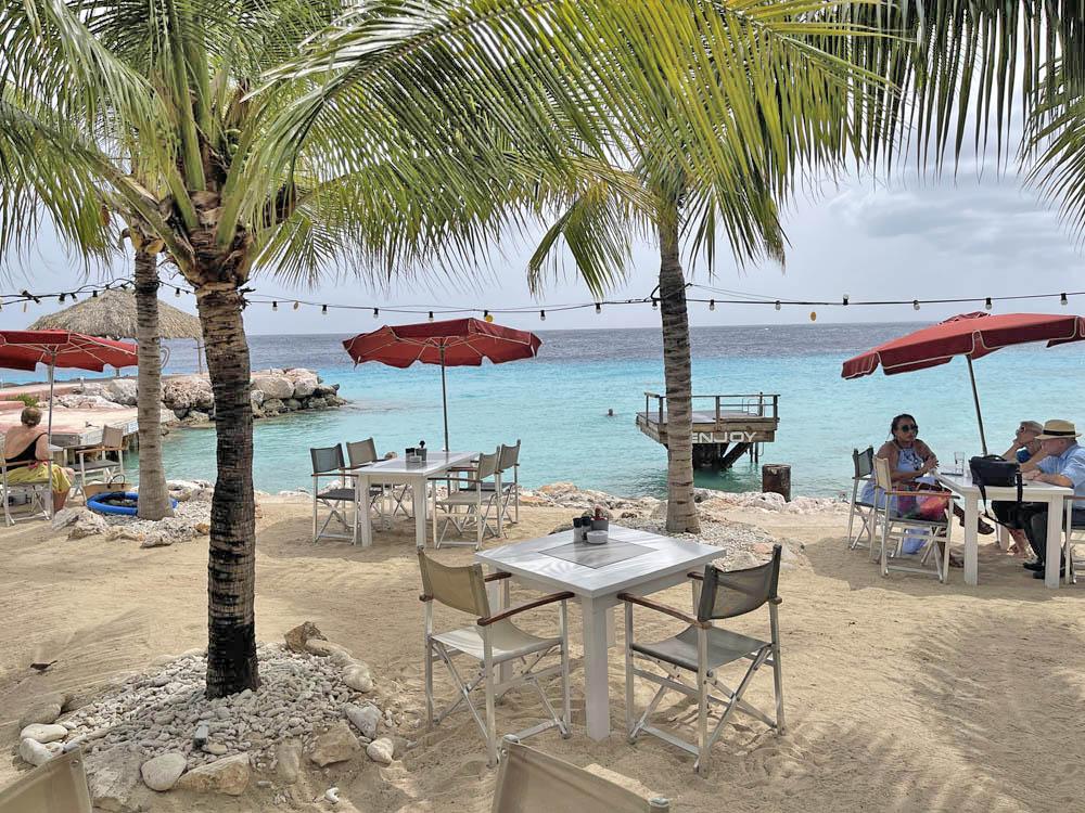 Karakter beach restaurant curaçao
