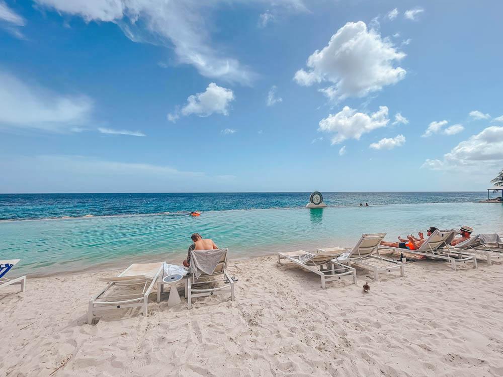 papagayo beach club - jan thiel curacao