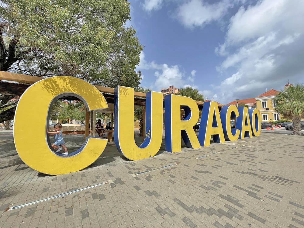 letreiro de Curacao